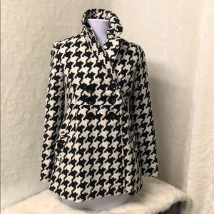 Black and white houndstooth print jacket